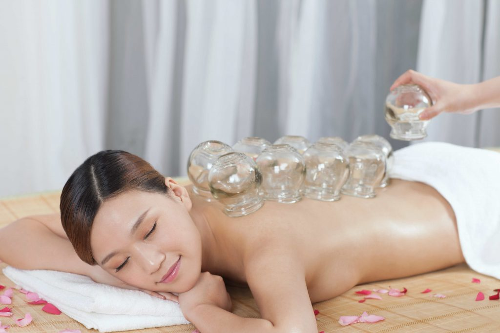 Schröpfmassage Schröpfen TCM Yin Yang Therapie Medical Wellness Gesundheit ganzheitliche Therapie