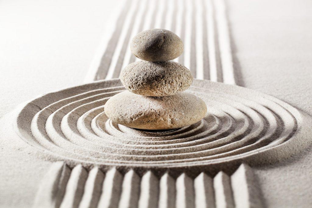 Sand Stein Fen Shui yin yang yoga meditation